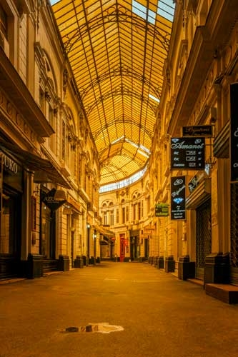 vila-cross-passage-bucharest