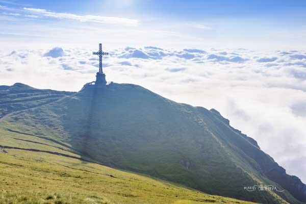 Caraiman-Cross-mountains